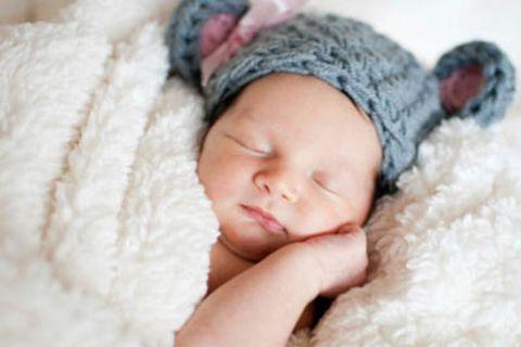 Babykleidung: Kuscheliges für gemütliche Stunden