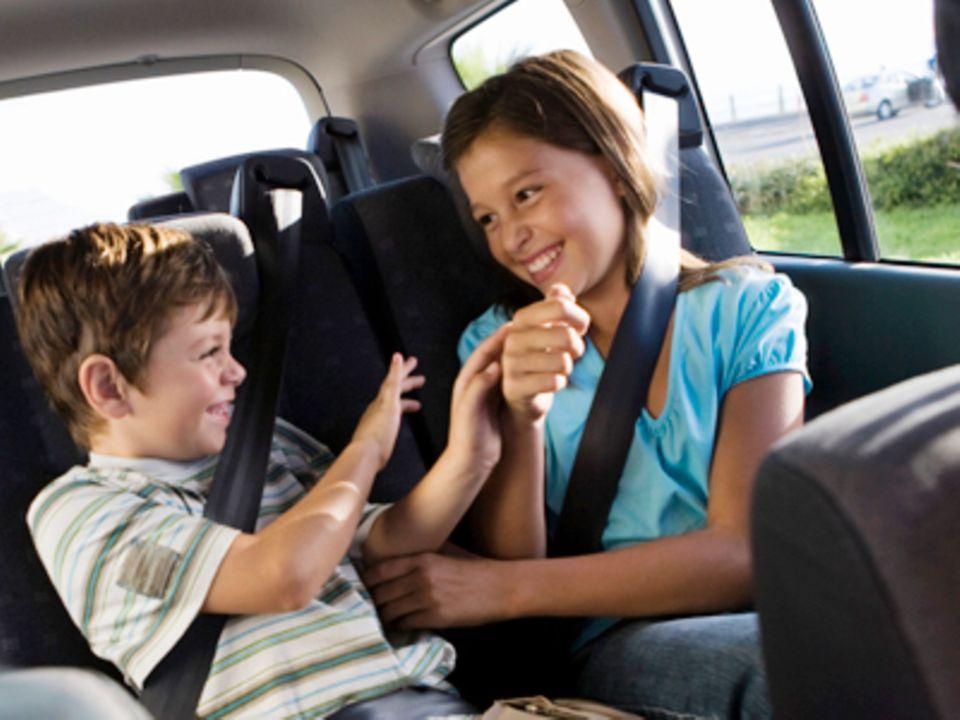 Eine Mutter berichtet: Die Rückbank-Polizei: Wie meine Kinder mich im Auto erziehen