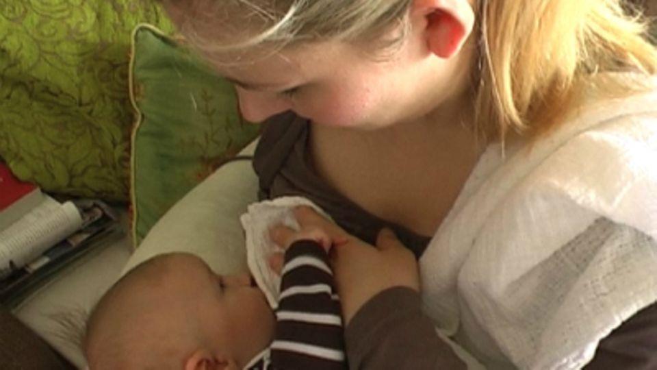 Baby-Entwicklung: Baby mit 12 Wochen: Die 12. Lebenswoche Deines Babys