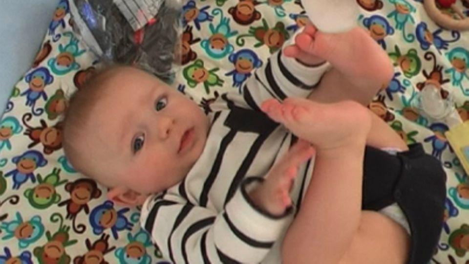 Baby-Entwicklung: Baby mit 18 Wochen: Die 18. Lebenswoche Deines Babys