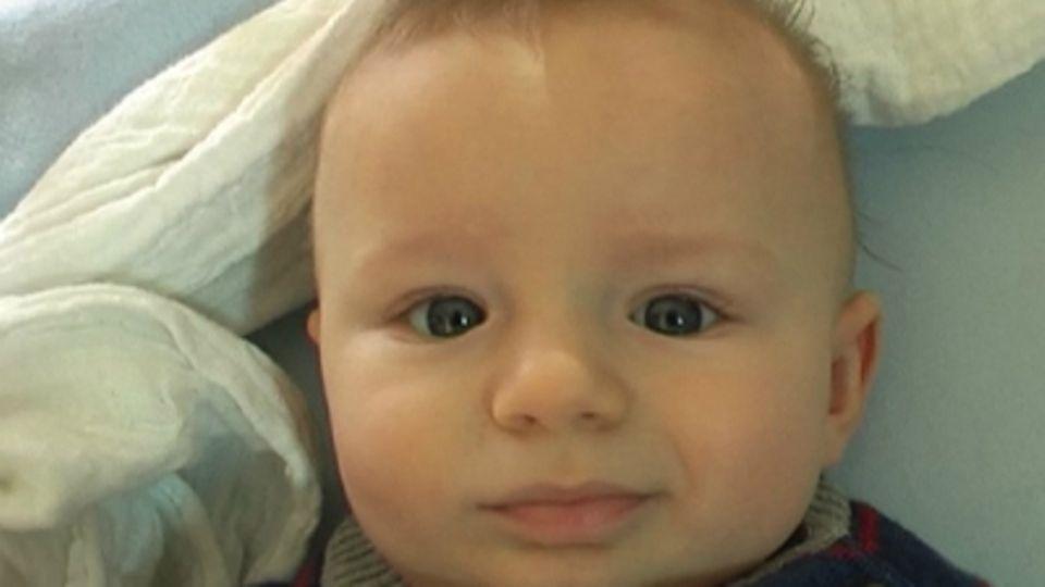 Baby-Entwicklung: Baby mit 19 Wochen: Die 19. Lebenswoche Deines Babys