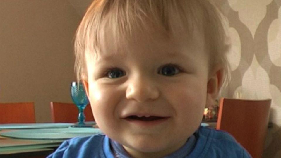 Baby-Entwicklung: Baby mit 43 Wochen: Die 43. Lebenswoche Deines Babys