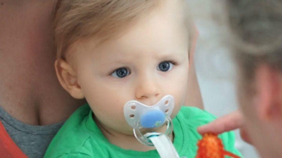 Baby-Entwicklung: Baby mit 47 Wochen: Die 47. Lebenswoche Deines Babys