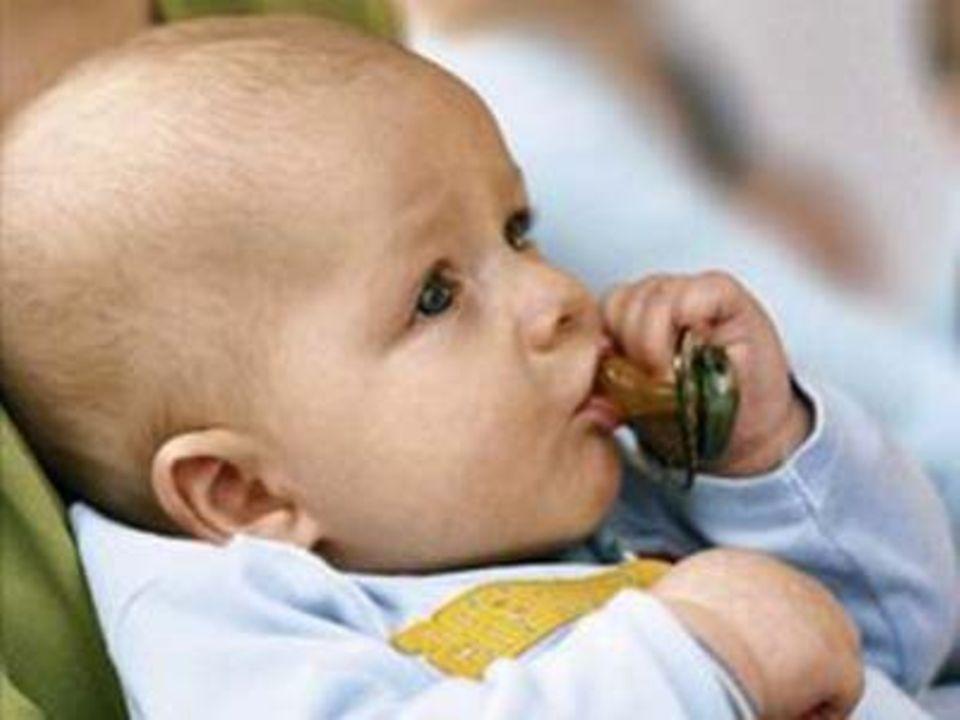 Daumen oder Schnuller: Woran nuckelt Ihr Baby am liebsten?
