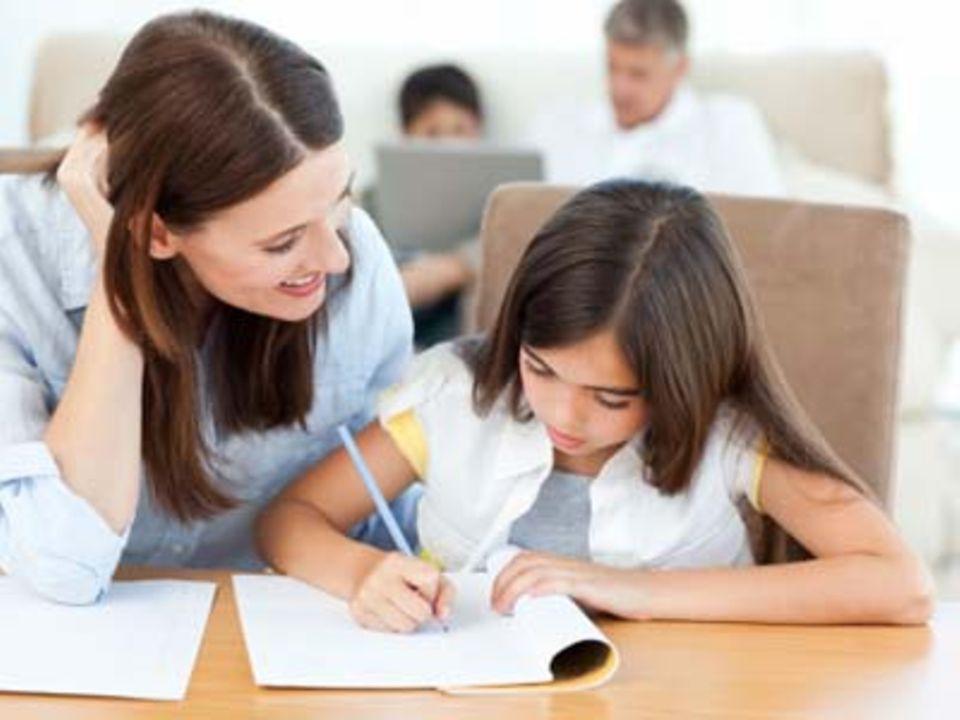 Hausaufgaben & Co.: Sind Sie mehr als zehn Stunden in der Woche mit dem Thema Schule beschäftigt?
