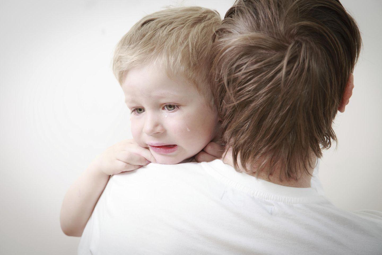 Kind mit Wachstumsschmerzen