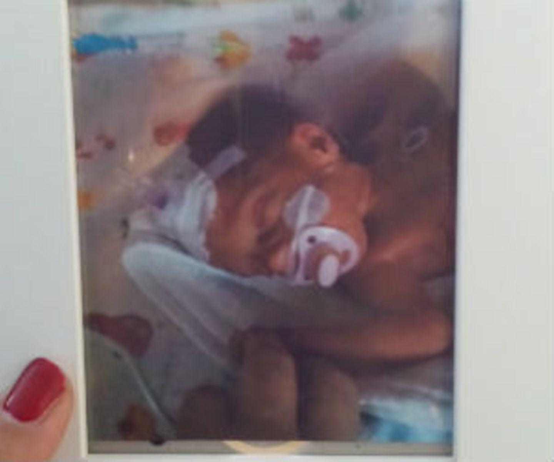 Unsere Maus, Emma Belinda, ist am 16.9.14, nach plötzlicher Plazentaablösung in 31+2 geboren worden. Heute sind aus 1200g und 40cm 7180g und 64cm geworden, und es geht ihr super gut. Ein Hoch auf das Team der Uniklinik Köln. Ich könnte ein Buch schreiben ;)