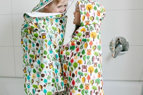 Mit diesen liebevoll handgenähten Badetüchern von dawanda macht das Abtrocknen gleich doppelt so viel Spaß! Im süßen Walddesign gibt's diese unter www.dawanda.de für 44,90 Euro.