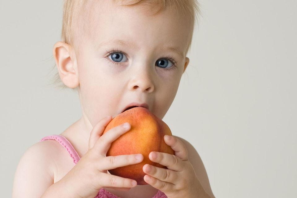 Baby Ernährung : Macht Pfirsich einen wunden Po?