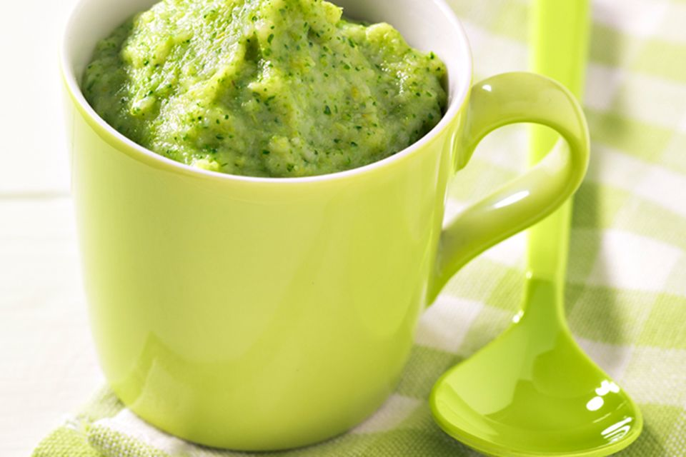 Brokkoli-Rindfleisch-Brei mit Couscous