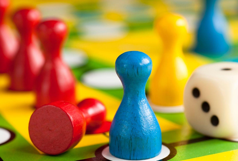 Brettspiele bei Kleinkindern: Du blöder Würfel!