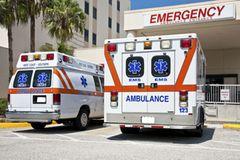Wie sieht die medizinische Versorgung an Deinem Urlaubsort aus? Auch wenn Du es wahrscheinlich nicht brauchen wirst, ist es gut, die Telefonnummer des örtlichen Notrufs und die Adresse von einem Krankenhaus in der Nähe griffbereit zu haben.