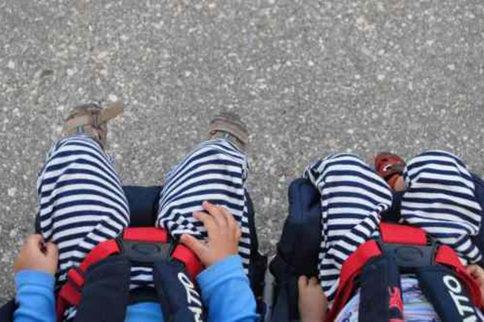 Einer schreit immer – die Wahrheit über das Leben mit Zwillingen: Die Sache mit dem Kinderwagen: Zweifach ist gar nicht so einfach…