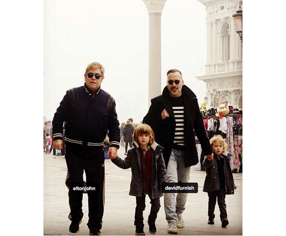 Elton John und Ehemann David Furnish mit ihren Söhnen Zachary und Elijah