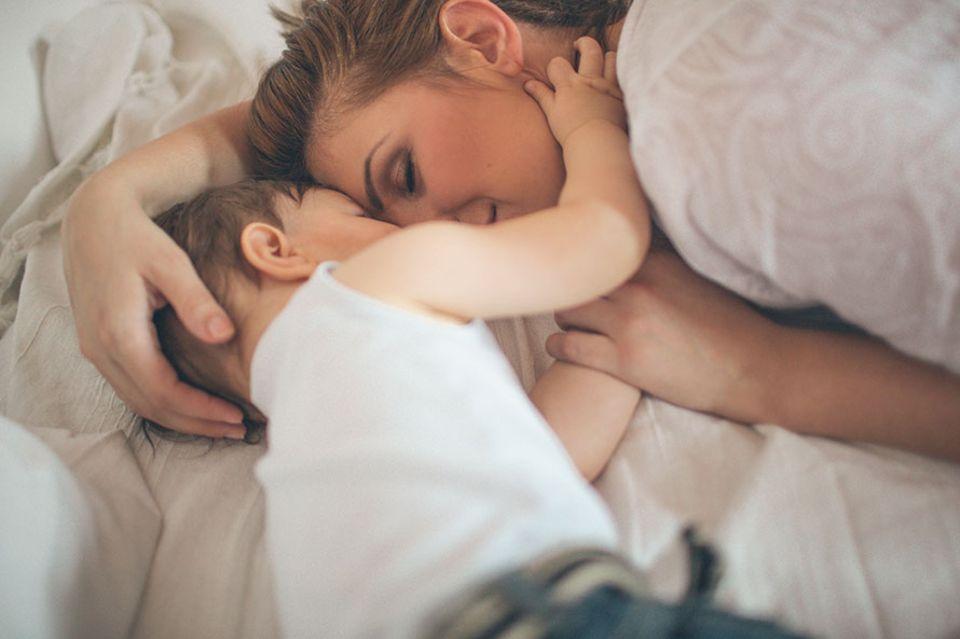 Eine ganz normale Mama: Man kommt zu nichts, wenn man Kinder hat…(außer zu den wirklich wichtigen Dingen – wie Kuscheln)