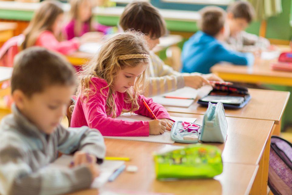 Geld: Schulbedarf: Was müssen Eltern selbst zahlen?