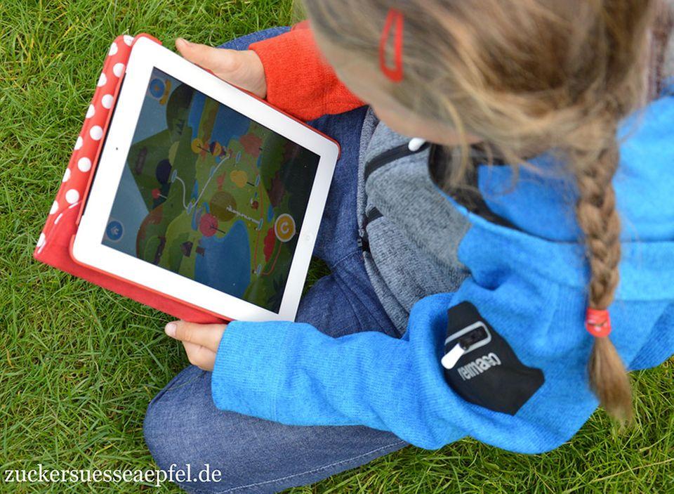 """Testergebnis Bloggerin """"Zuckersüße Äpfel"""": Die tägliche Bewegung des Kindes sichtbar machen? Wir haben die ReimaGo Kleidung getestet."""