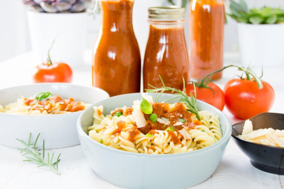 Feiersun.de: Leckere Tomatensoße aus frischen Tomaten