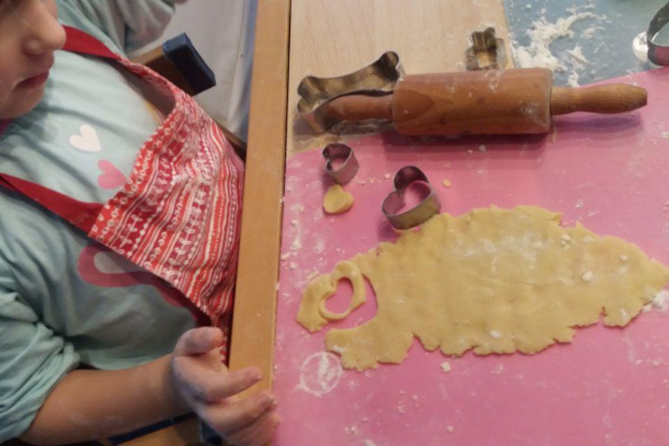 Mamablog Mama Michi: In der Weihnachtsbäckerei Teil 2 // Die leckersten Elisenlebkuchen mit Geheimzutat und unsere Lieblings-Butterplätzchen in 5 Varianten