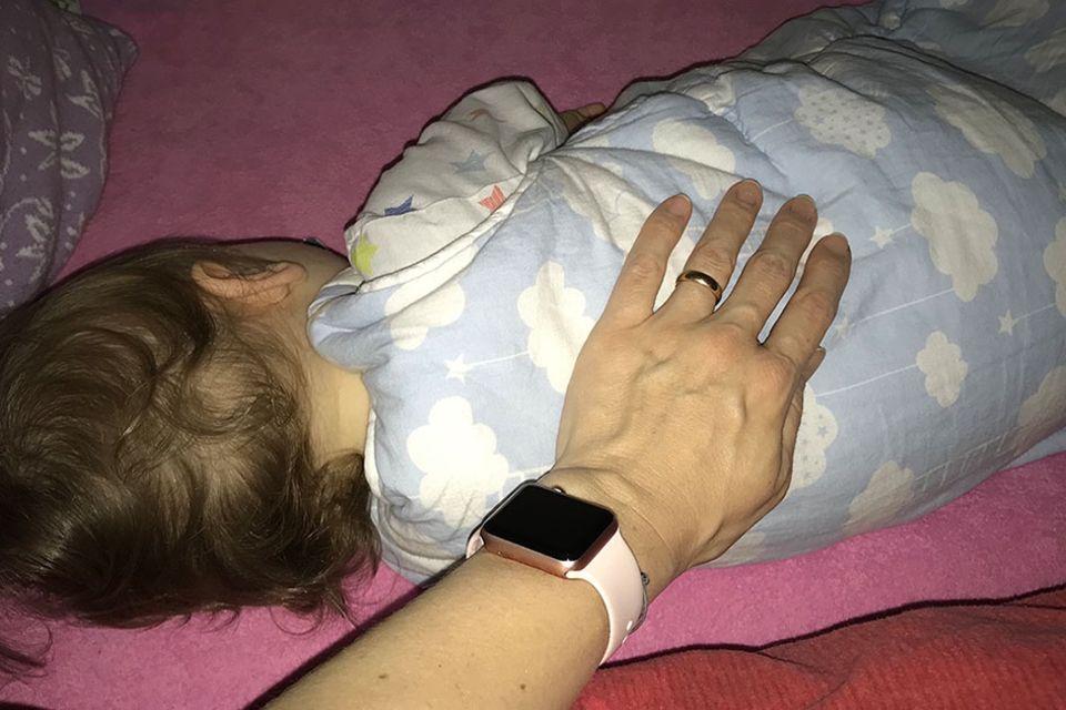 LÄCHELN UND WINKEN – die ehrliche (Familien-)Kolumne, die Angst ums Baby
