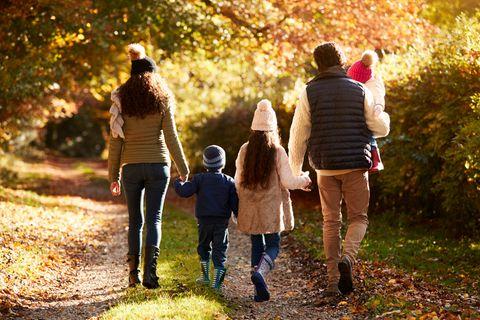 Familie mit drei Kindern