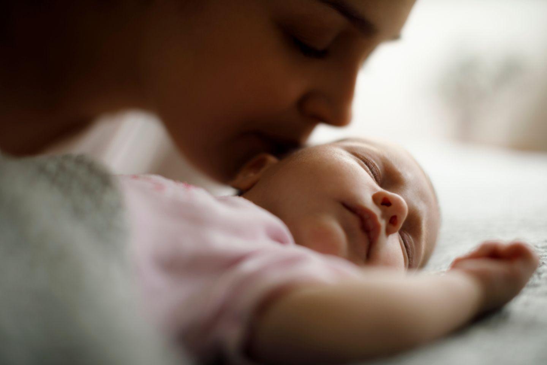 Babyschlaf: Familienbett – eine super Lösung!