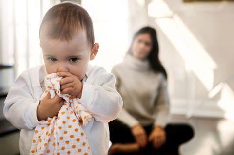 Angstgefühle: Warum Fremdeln für Babys so wichtig ist