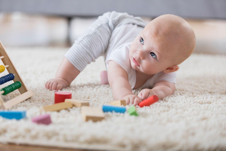 Babyentwicklung: Was kann mein Kind wann?