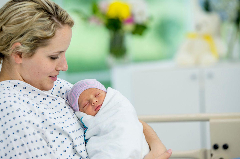 Rooming-in: Muss das Baby rund um die Uhr bei der Mutter sein?