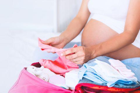 Für Mutter und Kind: Was gehört in den Klinikkoffer?