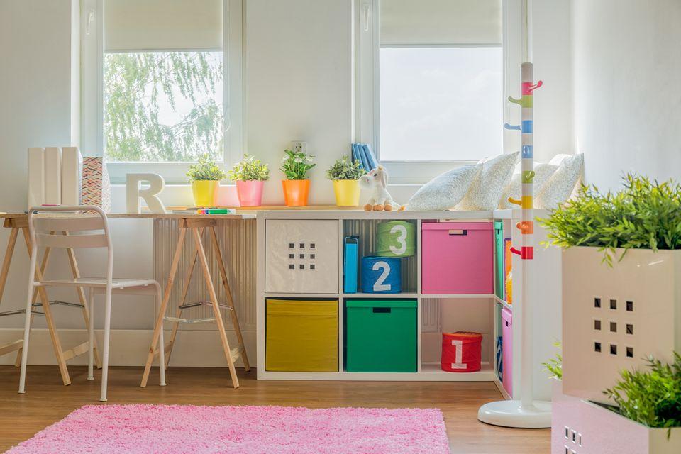 Praktische Verstauboxen im Kinderzimmer