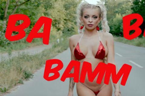 Katja Krasavice in ihrem Musikvideo Sex Tape auf Youtube