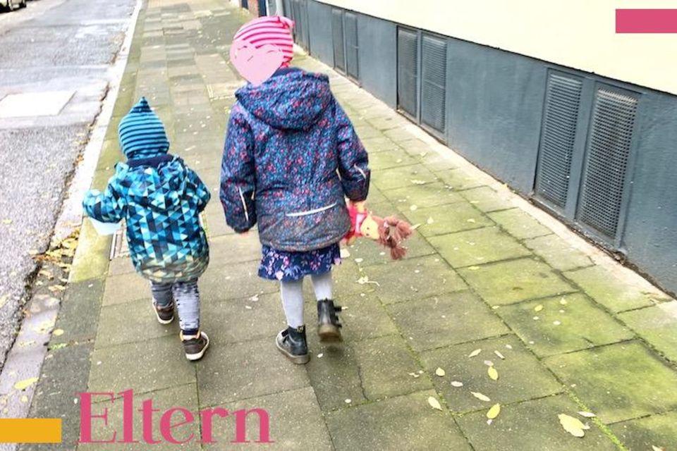 Lächeln und winken: Kinder-Fotos im Internet: Ja, nein, vielleicht?