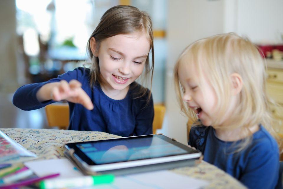 Fernseher, Tablet, Smartphone : 10 Tipps für kindgerechte Mediennutzung