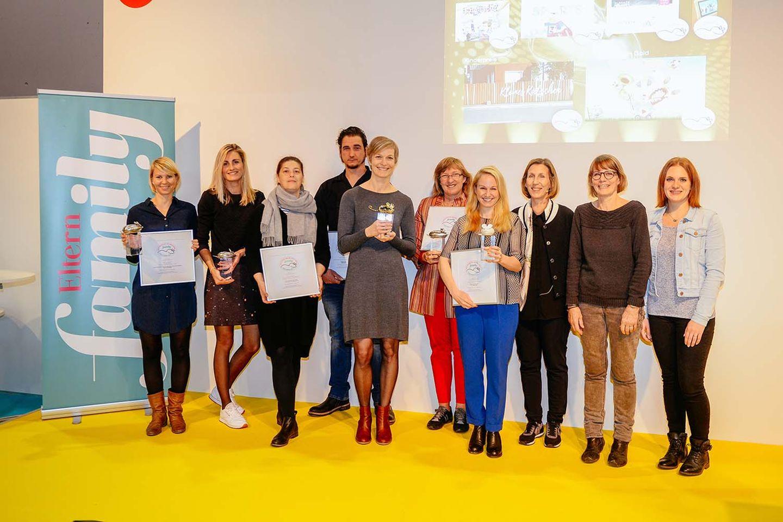"""Die Zeitschrift ELTERN family hat am 11. Oktober 2017 die besten familientauglichen Spiel- und Lernsoftware und Online-Produkte mit der GIGA-Maus 2017 auf der Frankfurter Buchmesse ausgezeichnet. Der Preis wurde in den vier Kategorien """"Kinder 4 bis 6 Jahre"""", """"Kinder 6 bis 10 Jahre"""", """"Kinder ab 10 Jahre"""" sowie """"Familie"""" vergeben. Hinzu kommen die beiden Sonderpreise """"Goldene GIGA-Maus – das beste Programm des Jahres"""" und der """"Kinderpreis"""". Bereits seit 20 Jahren würdigt die Zeitschrift ELTERN family mit der GIGA-Maus digitale Produkte für Kinder zum Lernen, Nachschlagen und Spielen und ist so zu einem verlässlichen Ratgeber für Eltern und Pädagogen geworden.   Hier könnt Ihr Euch durch die Gewinner klicken!"""