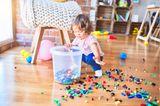 Dass Kinderspielzeug jeden Raum des Hauses verunstalten darf.