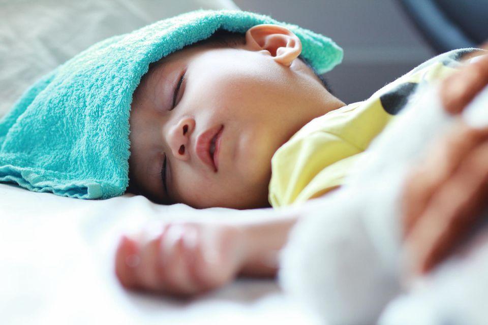 Antworten auf gängige Fragen: Wie ihr bei Fieber einen kühlen Kopf bewahrt