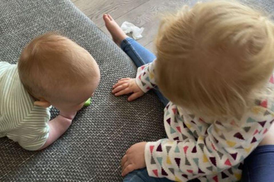 Tausche Pumps gegen Schlappen: Ein Jahr Zweifachmama – Erkenntnisse aus dem Alltag mit Baby und Kleinkind