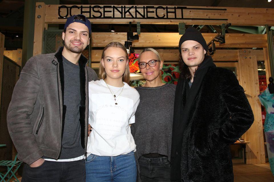 Natascha Ochsenknecht: So offen hat sie noch nie über ihr Sexleben gesprochen: Natascha Ochsenknecht mit ihren Kindern