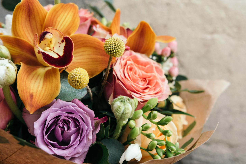 Geburtsblumen: Bunter Blumenstrauß