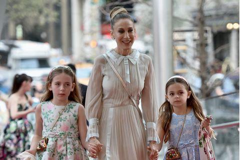 Doppelpack: Sarah Jessica Parker mit Zwillingstöchtern