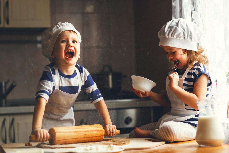 Plätzchen backen mit Kindern